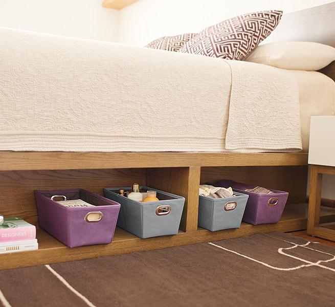 espacio debajo de cama
